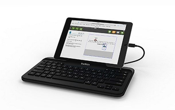 B2B130_Wired-Tablet-Keyboard-With-Stand--for-iPad-with-Lightning-connector-04