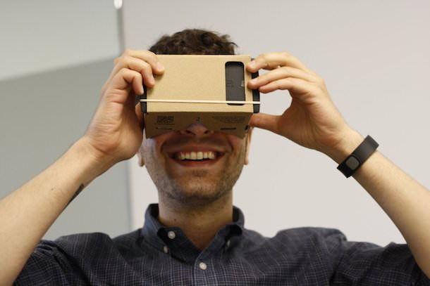 Шлем виртуальной реальности из картона от Google