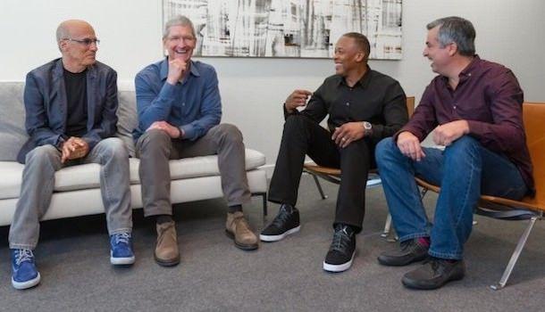 Dr.Dre и Джимми Айовин в гостях у Apple
