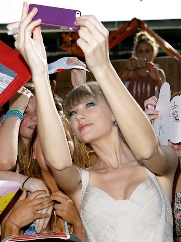 Тейлор Свифт жалуется на iPhone