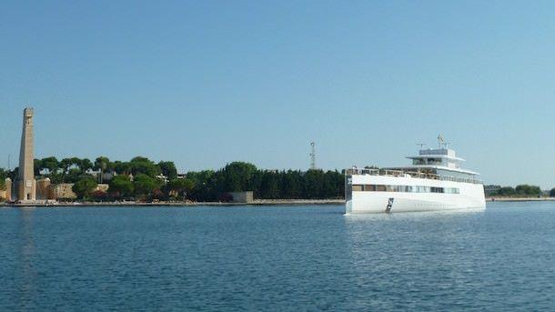 Венера - яхта Стива Джобса