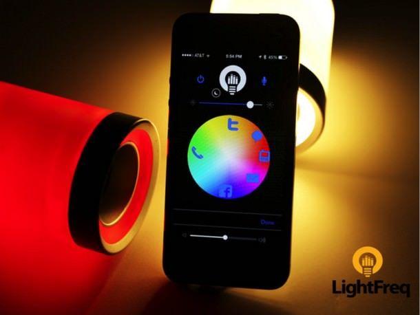 """LightFreq - """"умная"""" лампочка со встроенным динамиком"""
