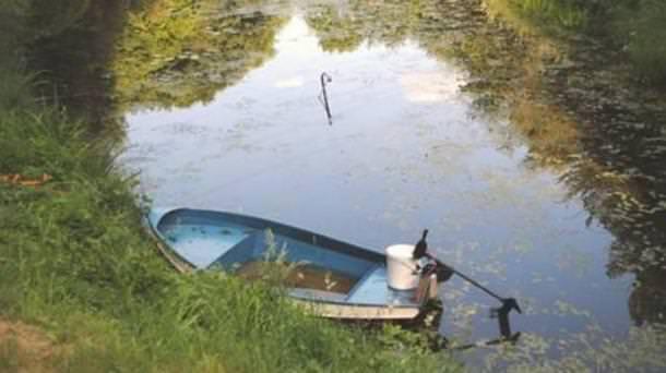 16-летний житель Кёльна пытался осушить озеро, обронив в него свой iPhone