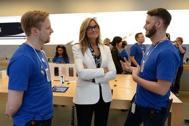 Анджела Арендтс открыла продажи iPhone 6 в Сиднее