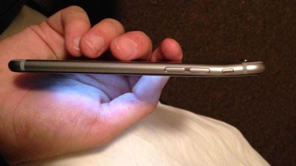 iPhone 6 гнется