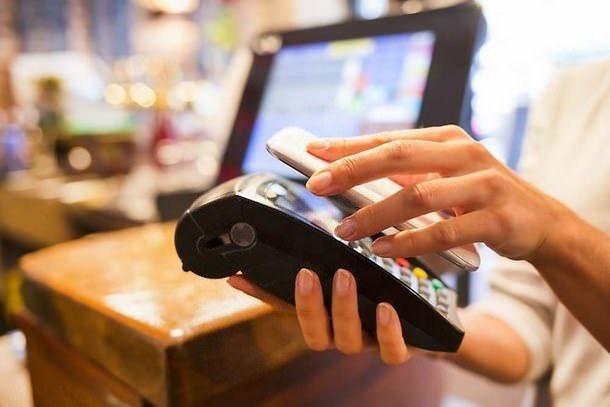 В iPhone 6 будет оснащен технологией бесконтактных платежей