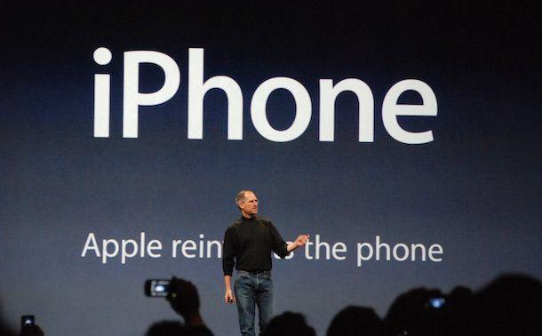 Стив Джобс первый iPhone 2007 год