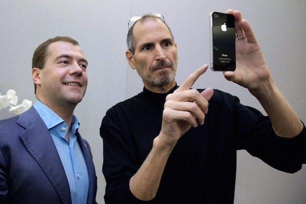 Стив Джобс Медведев iPhone 4