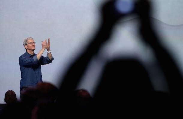 Тим Кук представил iPhone 6