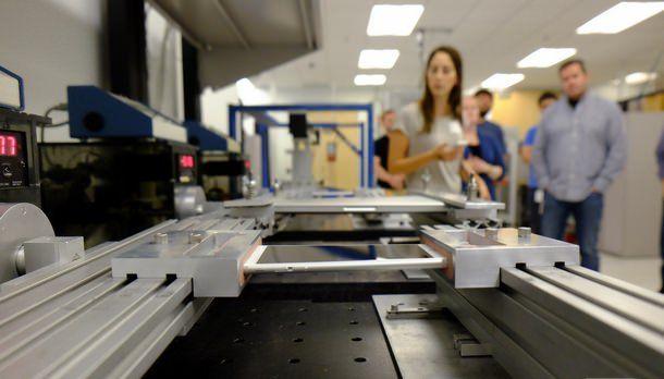 Журналистов пустили в лаборатории, где тестировались iPhone 6 и iPhone 6 Plus