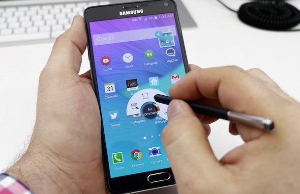 Samsung Galaxy Note 4 одной рукой