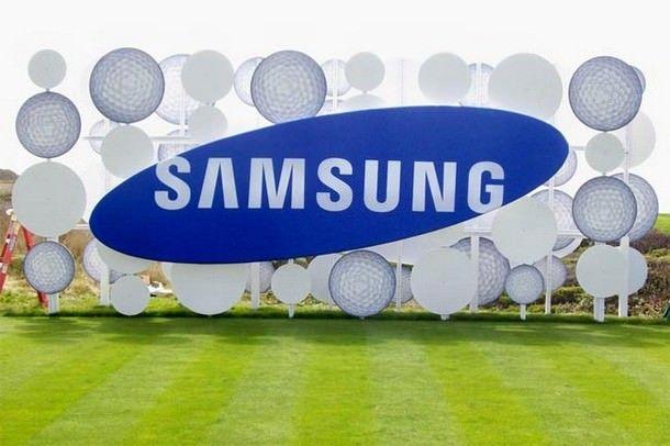 Прибыль Samsung упала на 49%