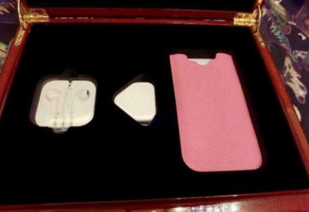 Apple выпустит ограниченным тиражом iPhone 6 в розовой расцветке
