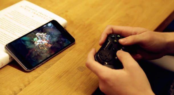 iPhone 6 Plus и игровые контроллеры