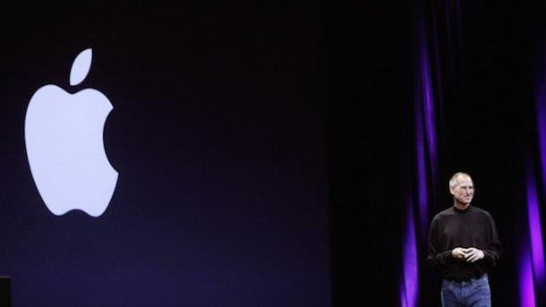 Стив Джобс на презентации-1
