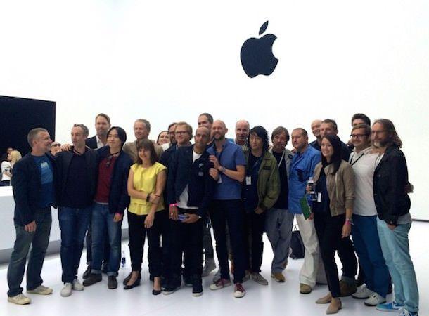 Команда дизайнеров Apple