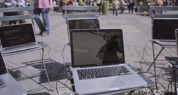 Microsoft рекламирует MacBook и iPhone