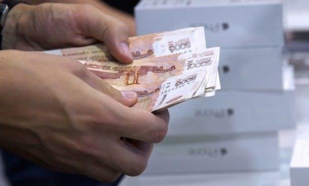 Иностранцам выгодно покупать iPhone 6 в России