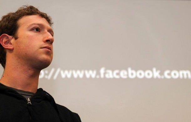 Марк Цукерберг вступил в перепалку с Тимом Куком