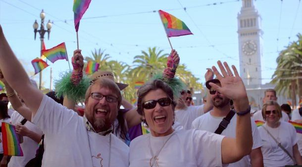 Глава Apple Тим Кук пожертвовал на кампанию в поддержку ЛГБТ
