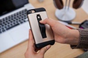Cable & Ultra Protection Case — чехол с Lightning-кабелем для iPhone 6