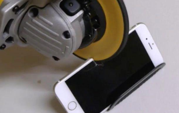 iphone 6 против пилы