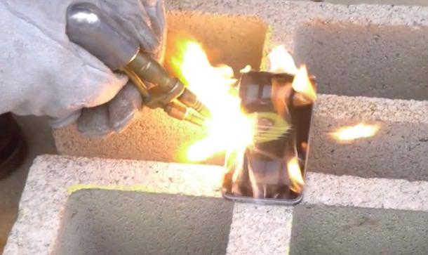 iPhone 6 против ацетиленовой горелки