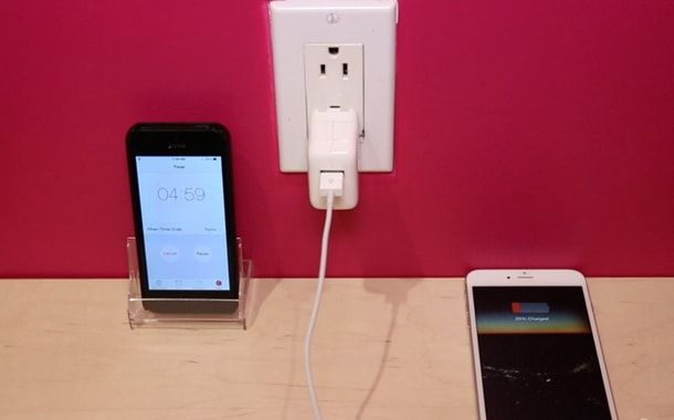 iPhone, зарядка