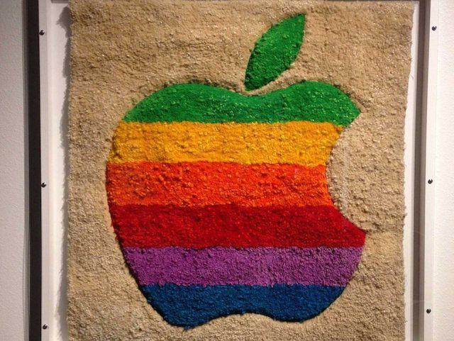 Гобелен с древним логотипом Apple