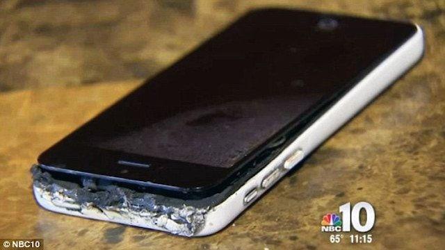 Загорелся iPhone 5c