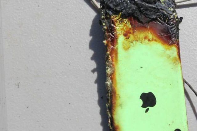 Неоригинальная зарядка привела к возгоранию iPhone 5с