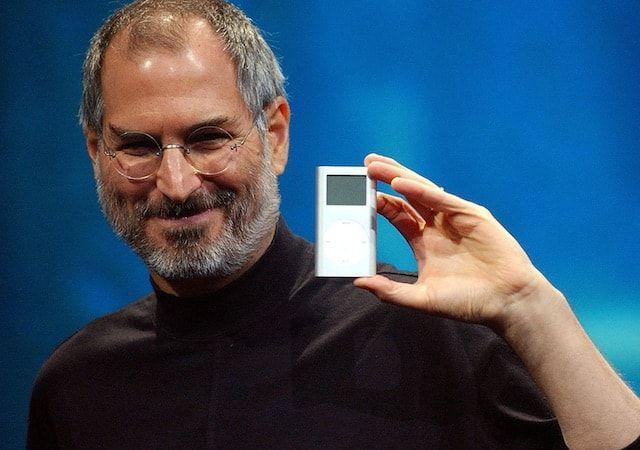 Стив Джобс представил iPod