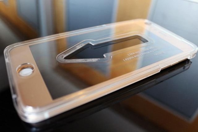 Phantom Glass - защитное стекло для экрана iPhone 6