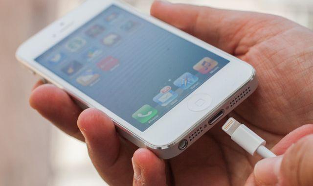 iPhone, зарядка, полиция