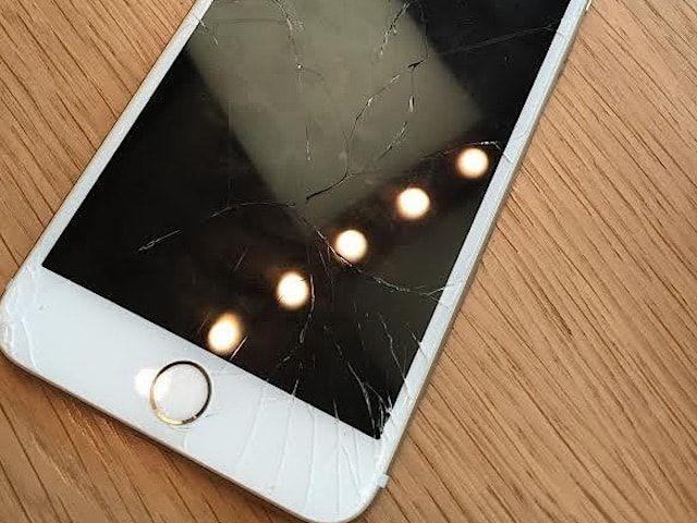 Как заменить стекло для iPhone отдельно?