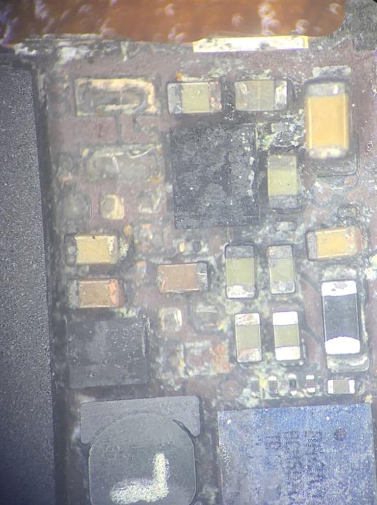 Коррозия iPhone