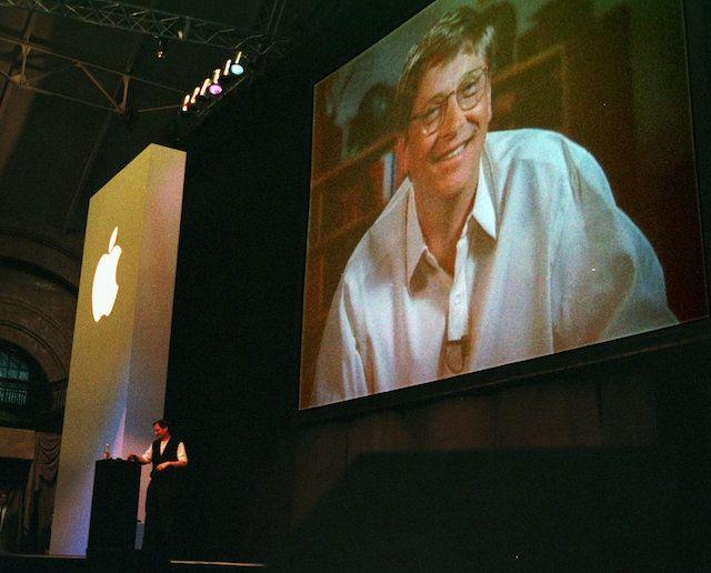 Билл Гейтс и Стив Джобс в 1997 году