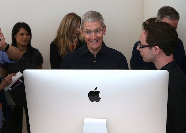 Тим Кук и iMac 27 дюймов