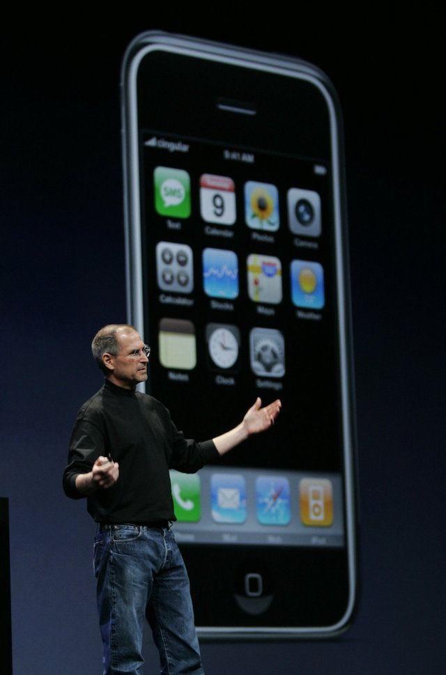 Стив Джобс и Первый iPhone