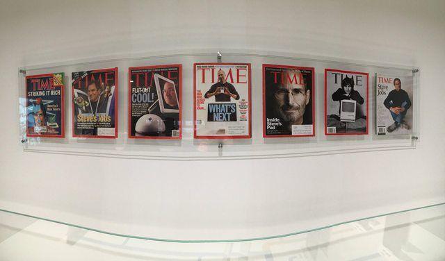 Журналы с изображением Стива Джобса