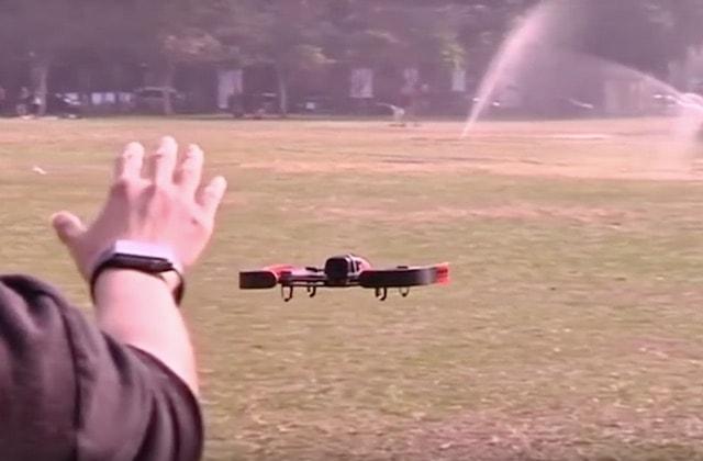 управление дроном при помощи Apple Watch