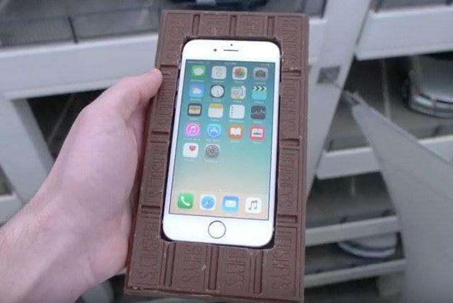 Шоколадный чехол для iPhone 6s