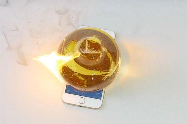 iPhone 6S и расплавленное стекло