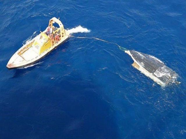 Apple поможет прояснить судьбу пропавших в океане подростков-рыбаков