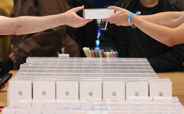 iPhone 6s продажи в Apple Store