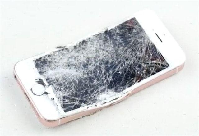 iPhone SE против TechRax