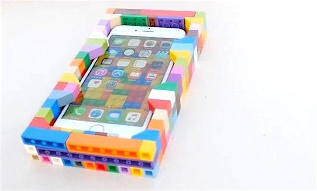 iPhone 6s в чехле из конструктора LEGO