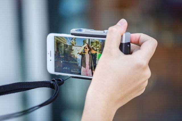 Pictar - чехол-камера с инновационным подключением к iPhone