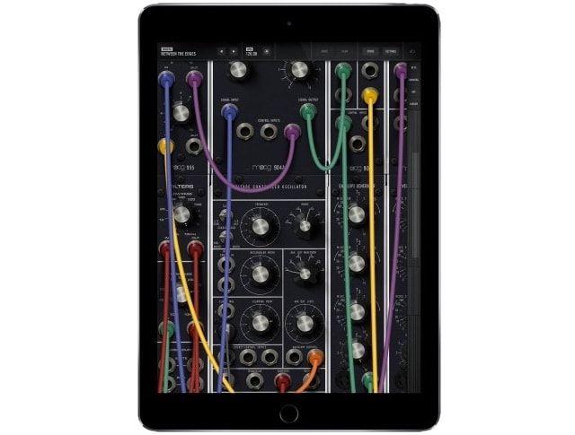 Легендарный синтезатор Model 15 вышел в версии для iPhone и iPad