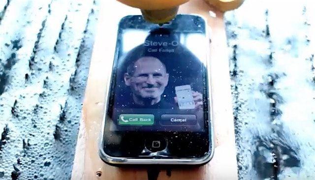 iPhone 3Gs разрезали струей воды